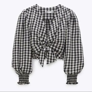 Zara cropped v-neck blouse - M